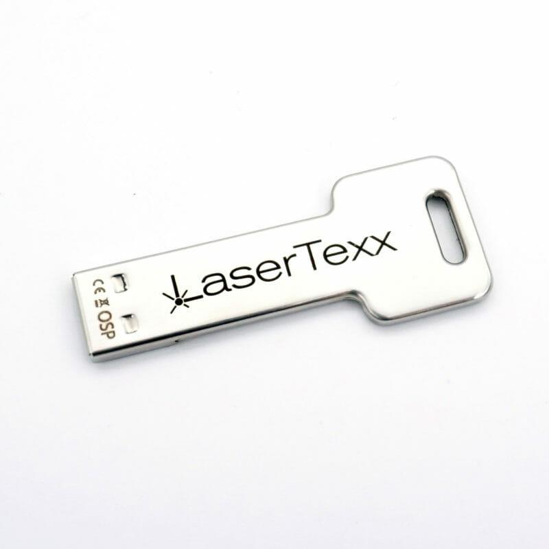 Schlüsselanhänger USB Stick mit Wunschgravur Beispiel