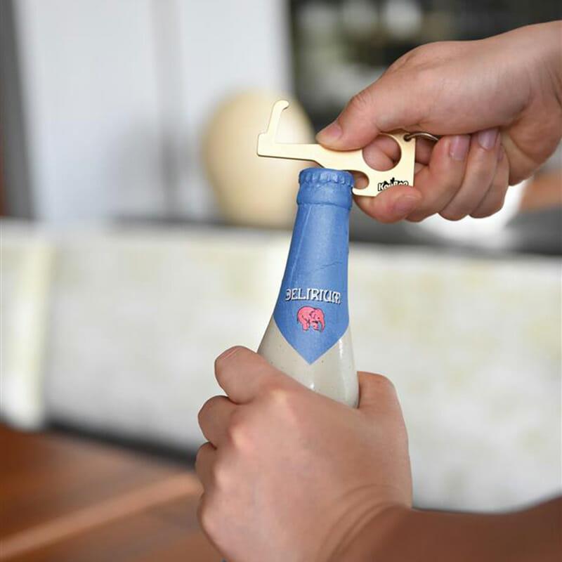 Schlüsselanhänger Zero Contact mit Flaschnöffner